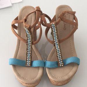 Skemo platform sandals